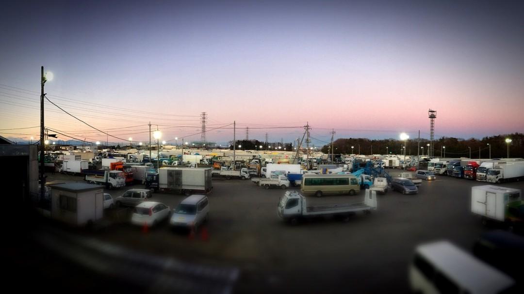 東京ドームが数個入る巨大駐車場